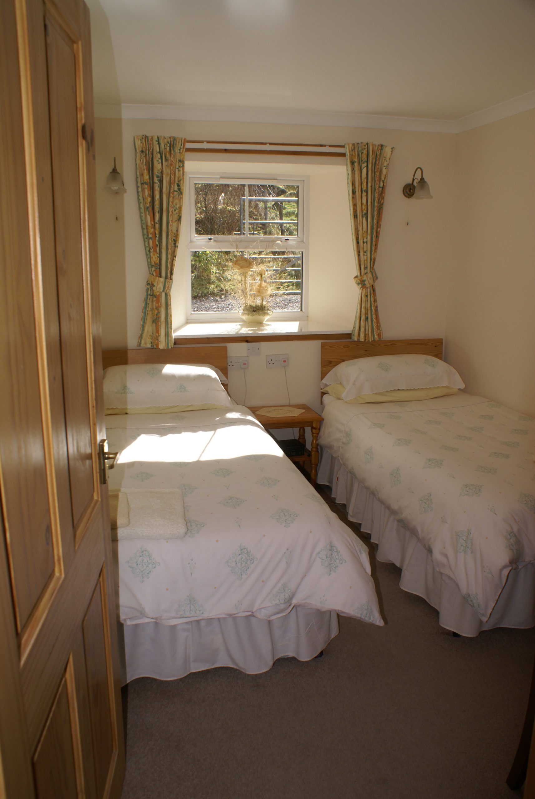 Stable Cottage Twin Bedroom